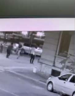il video dell'aggressione di youns el boussettaoui a massimo adriatici 3