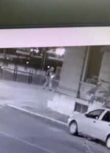 il video dell'aggressione di youns el boussettaoui a massimo adriatici 7