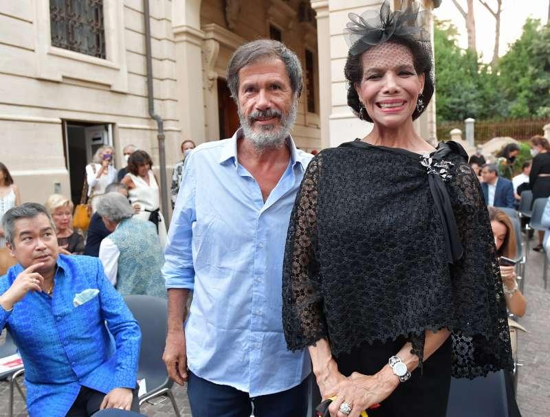l artista corrado veneziano e marisela federici foto di bacco