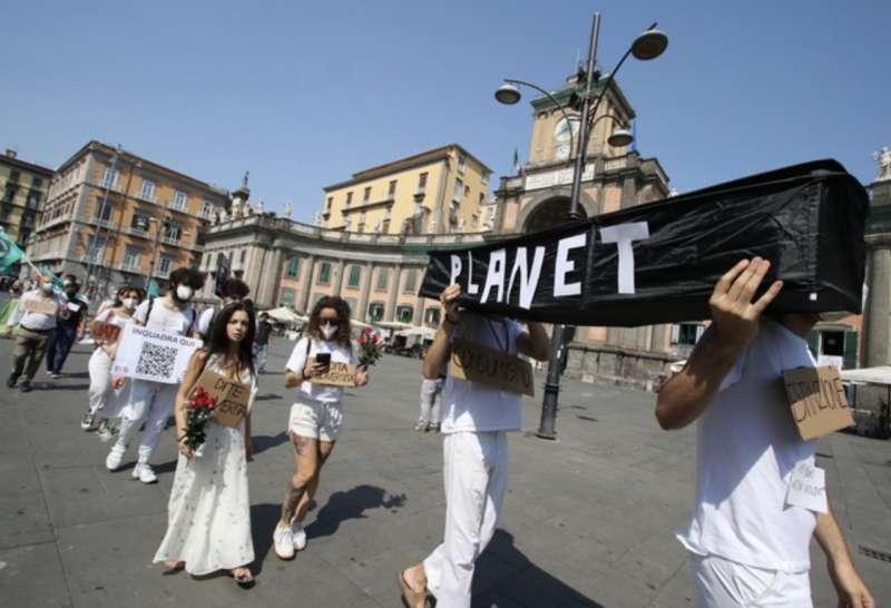 manifestanti g20 napoli 2