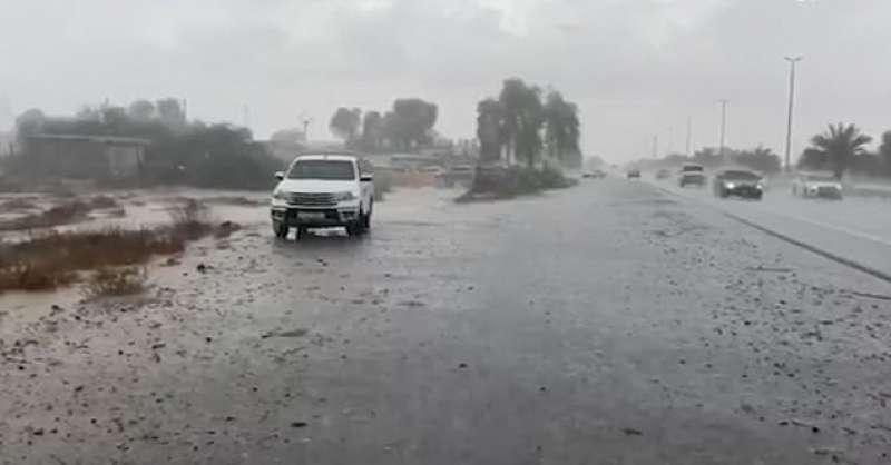 Pioggia a Dubai 2