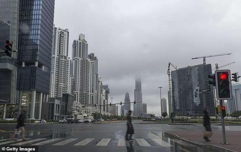 Pioggia a Dubai 4