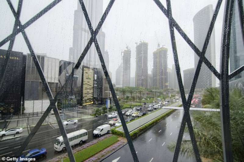 Pioggia a Dubai 5