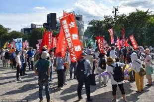 proteste olimpiadi tokyo 2020 4