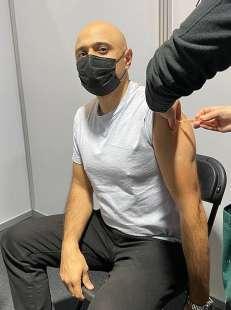 Sajid Javid si vaccina prima dose