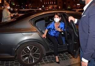 virginia raggi al suo arrivo in piazza barberini foto di bacco (2)