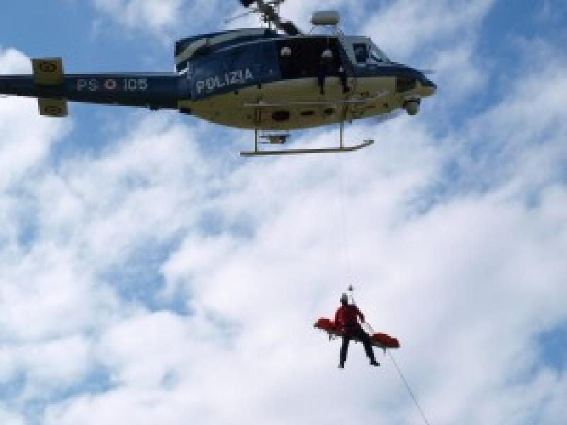 Elicottero I Inti : Elicottero di salvataggio della polizia dago fotogallery