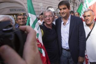 MANIFESTAZIONE PDL A VIA DEL PLEBISCITO AGOSTO RAFFAELE FITTO