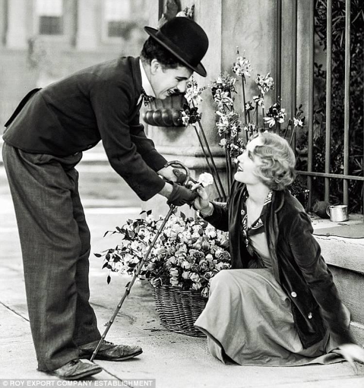 Risultati immagini per luci della città film 1931