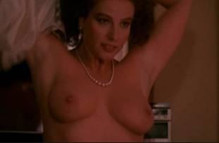 Duo! Milf Licia maglietta nude love bein