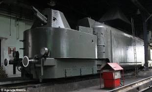 un treno blindato simile a quello nascosto dai tedeschi