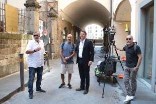 MATTEO RENZI E LUCIO PRESTA DURANTE LE RIPRESE DELLA DOCUFICTION SU FIRENZE