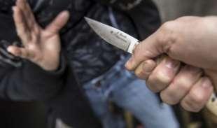 minacce con coltello 1