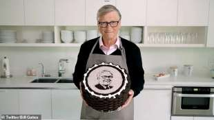 bill gates prepara una torta per warren buffett 4