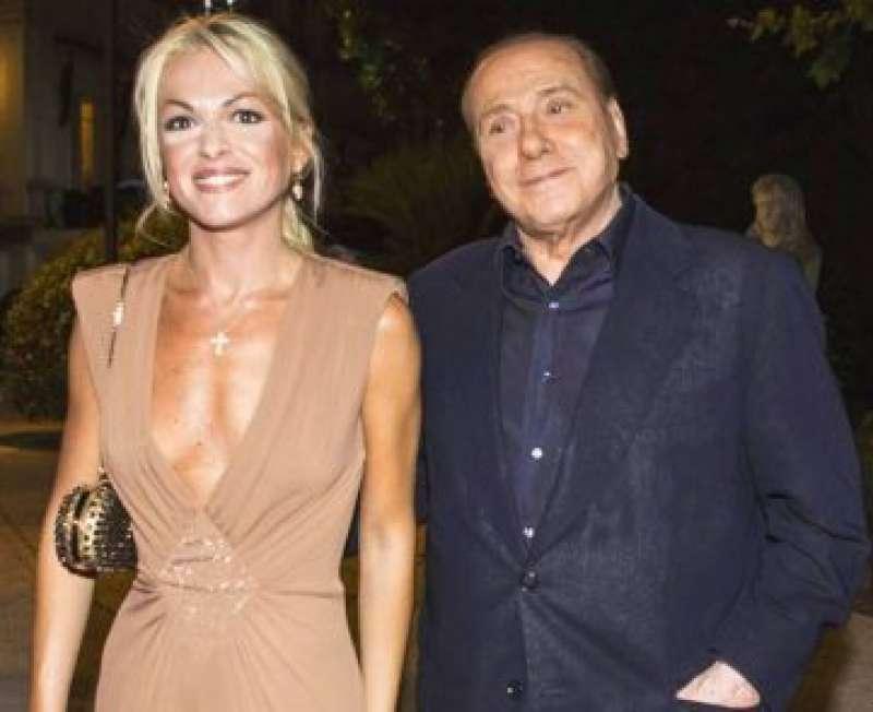Francesca Pascale con Berlusconi
