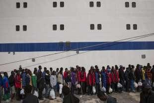 migranti a lampedusa 2