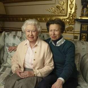 regina elisabetta e principessa anna