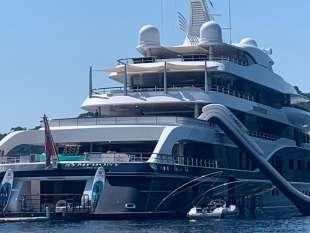 yacht symphony di bernard arnault