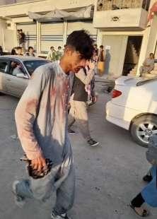 attentato all aeroporto di kabul 12