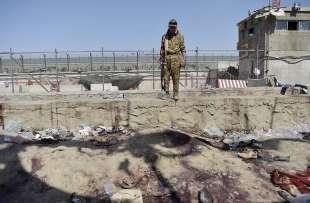 attentato all aeroporto di kabul