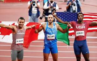 marcell jacobs oro nei 100m a tokyo