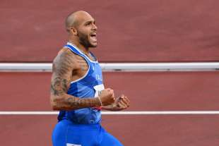 marcell jacobs vince i 100m a tokyo2020 1