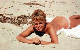 Topless 2 Brigitte Bardot