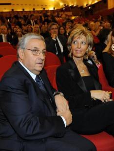 Giuseppe Pignatone con moglie