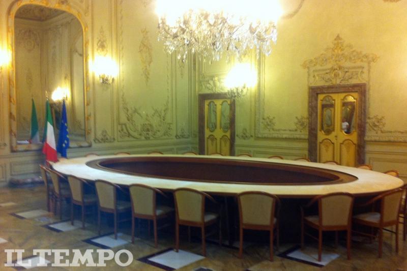 La nuova sede di forza italia a san lorenzo in lucina for Onorevoli di forza italia