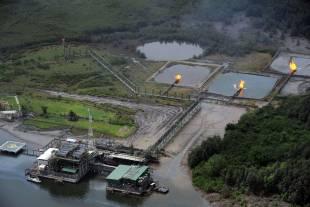 estrazione di petrolio nel delta del niger in nigeria