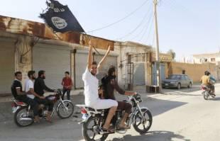 sostenitori di isis festeggiano in siria