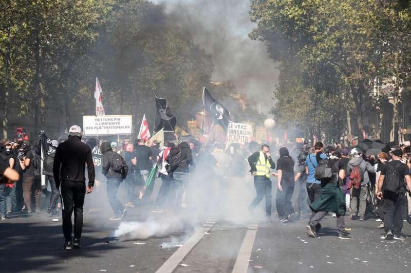 PARIGI - PROTESTE DEI GILET GIALLI