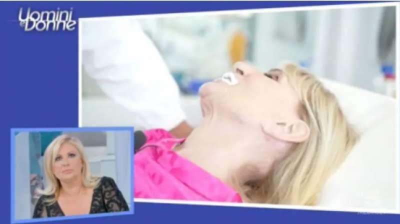 gemma galgani si rifa' il seno e labbra 2