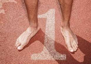 i piedi di marcell jacobs foto oliviero toscani