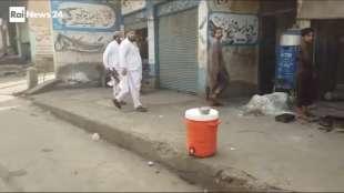 il supermercato mondiale di armi illegali al confine afgano 10