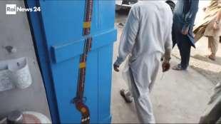 il supermercato mondiale di armi illegali al confine afgano 2