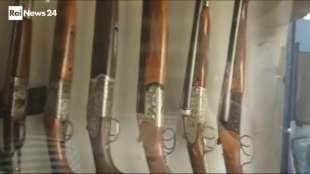 il supermercato mondiale di armi illegali al confine afgano 4