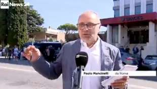 paolo mancinelli si blocca in diretta in collegamento con rainews24 2