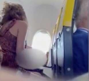 sesso orale su un volo ryanair 1