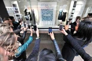 shopping con qr code e touch screen 1