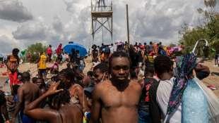 stati uniti migranti haitiani in texas