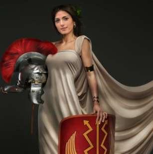 virginia raggi in versione gladiatrice twittata da beppe grillo