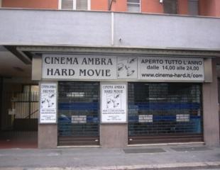 Cinema A Luci Rotte Il Lento Declino Dei Cinemini Porno Surclassati