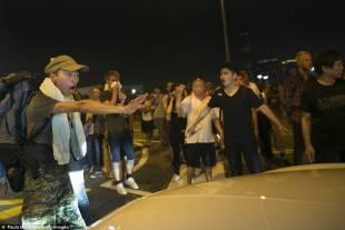 occupy central continuano le proteste di hong kong 13