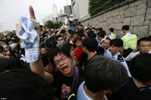 occupy central continuano le proteste di hong kong 7