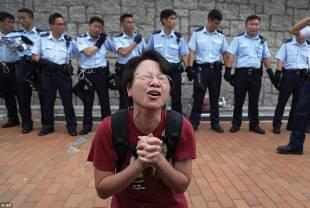 occupy central continuano le proteste di hong kong 8