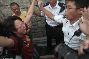 occupy central continuano le proteste di hong kong 9