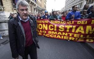 MAURIZIO LANDINI operai delle acciaierie terni in corteo a roma, feriti in scontri con polizia 31