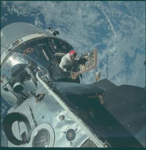 passeggiata spaziale durante missione apollo 9