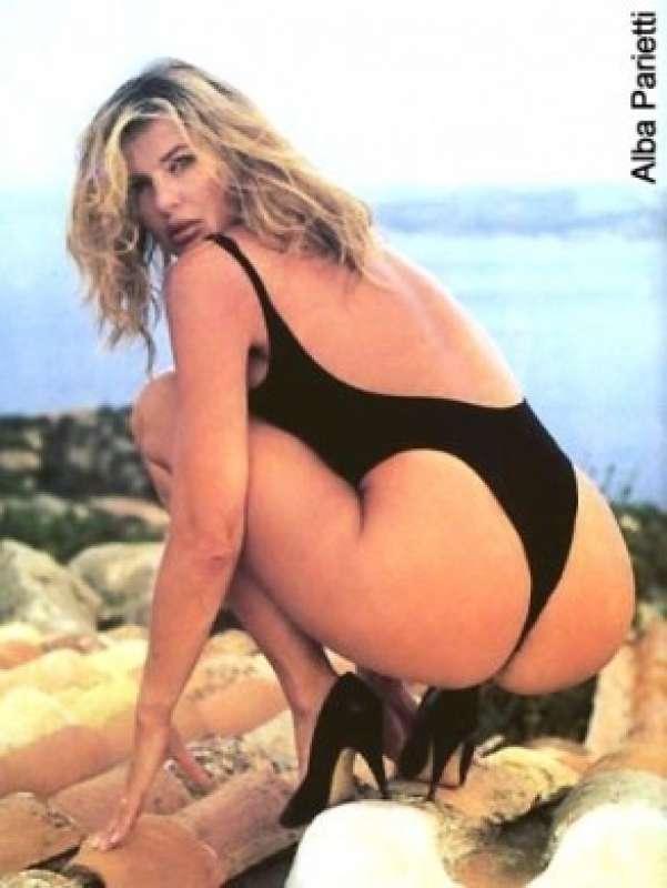 Leann rimes bikini photoshoots